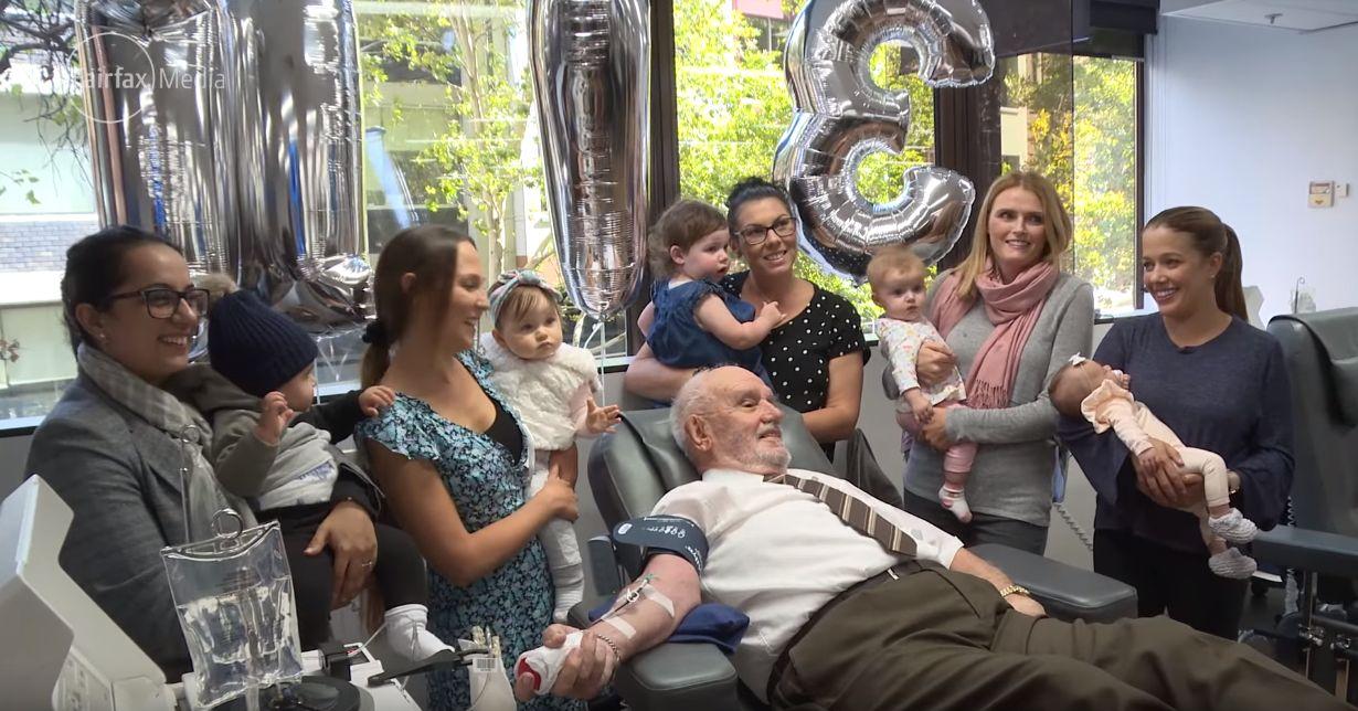 특별한 피를 가진 노인이 마지막 헌혈로 2000명을 더