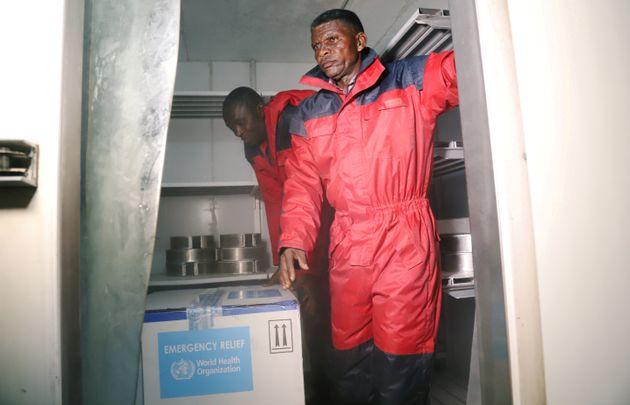 Κονγκό: Οι αρχές προειδοποιούν ότι το ξέσπασμα του ιού Έμπολα εισέρχεται σε μια «νέα