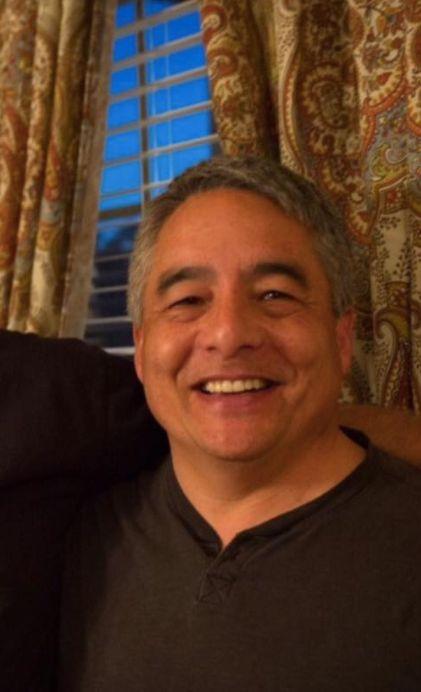 Mann trifft einen Kollegen am Flughafen – die Begegnung ändert sein Leben