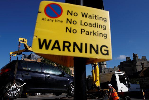 Στη Βρετανία πλέον μπορούν να παρκάρουν εξ αποστάσεως μέσω εφαρμογής και μάλιστα βάσει