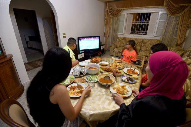 Chroniques ramadanesques - version Tunisienne: ZAPPING Tunisien (Épisode