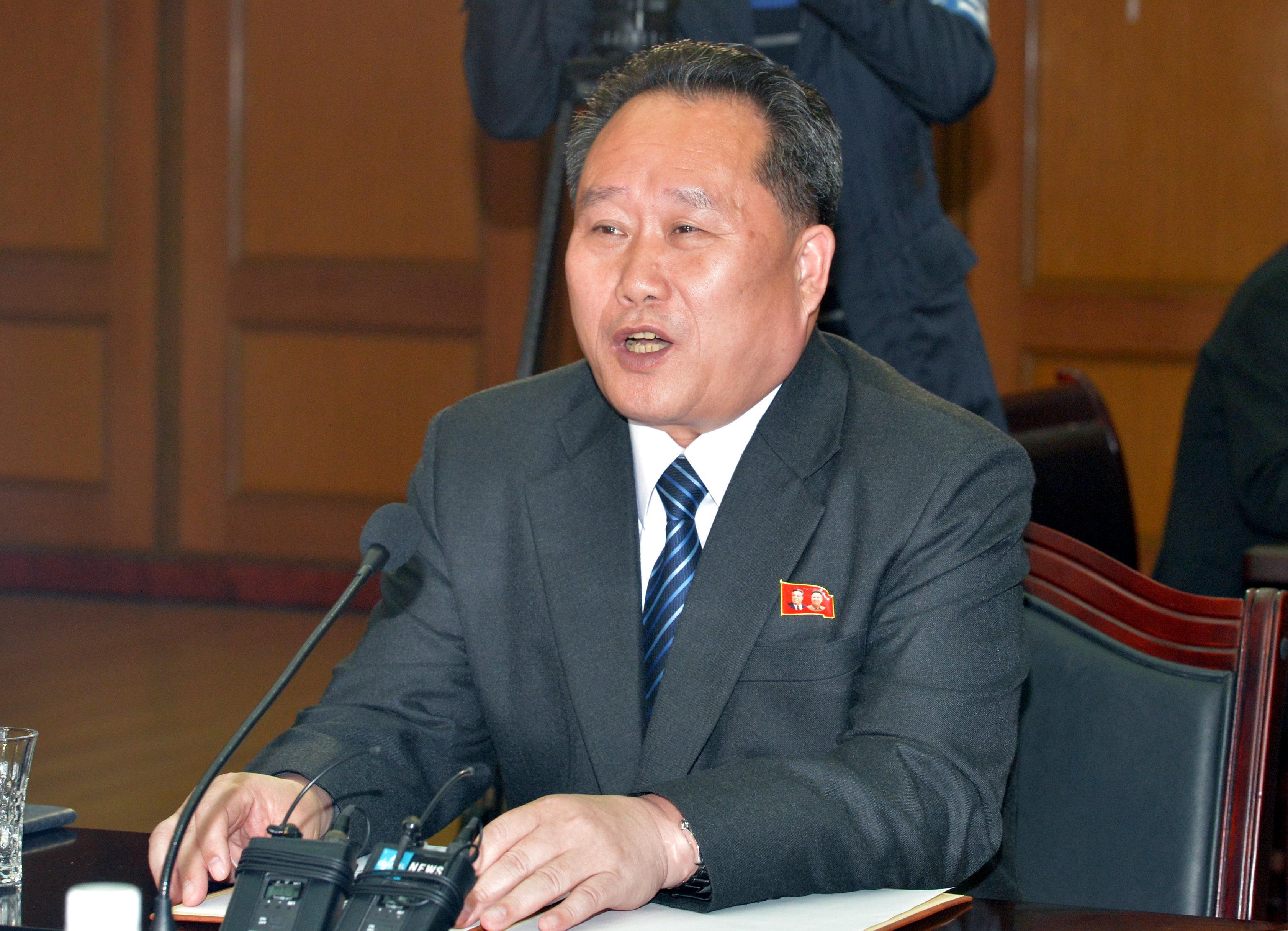 북한이 앞으로의 남북관계는 전적으로 남한에 달려있다고 말했다
