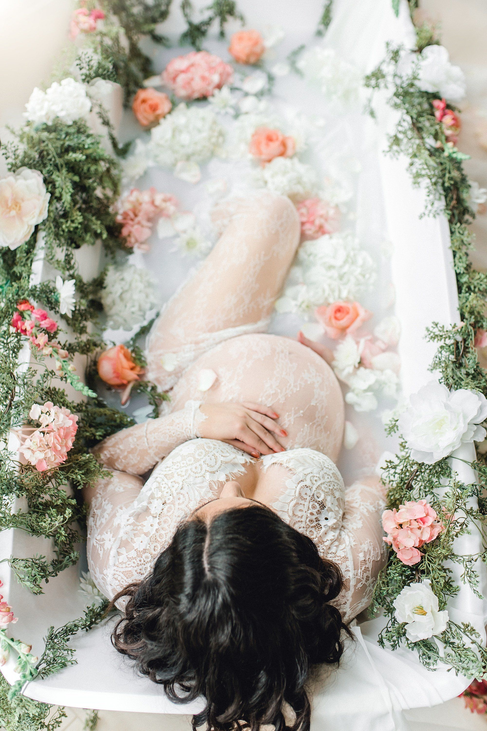 What S The Deal With Milk Bath Maternity Photos Huffpost Life
