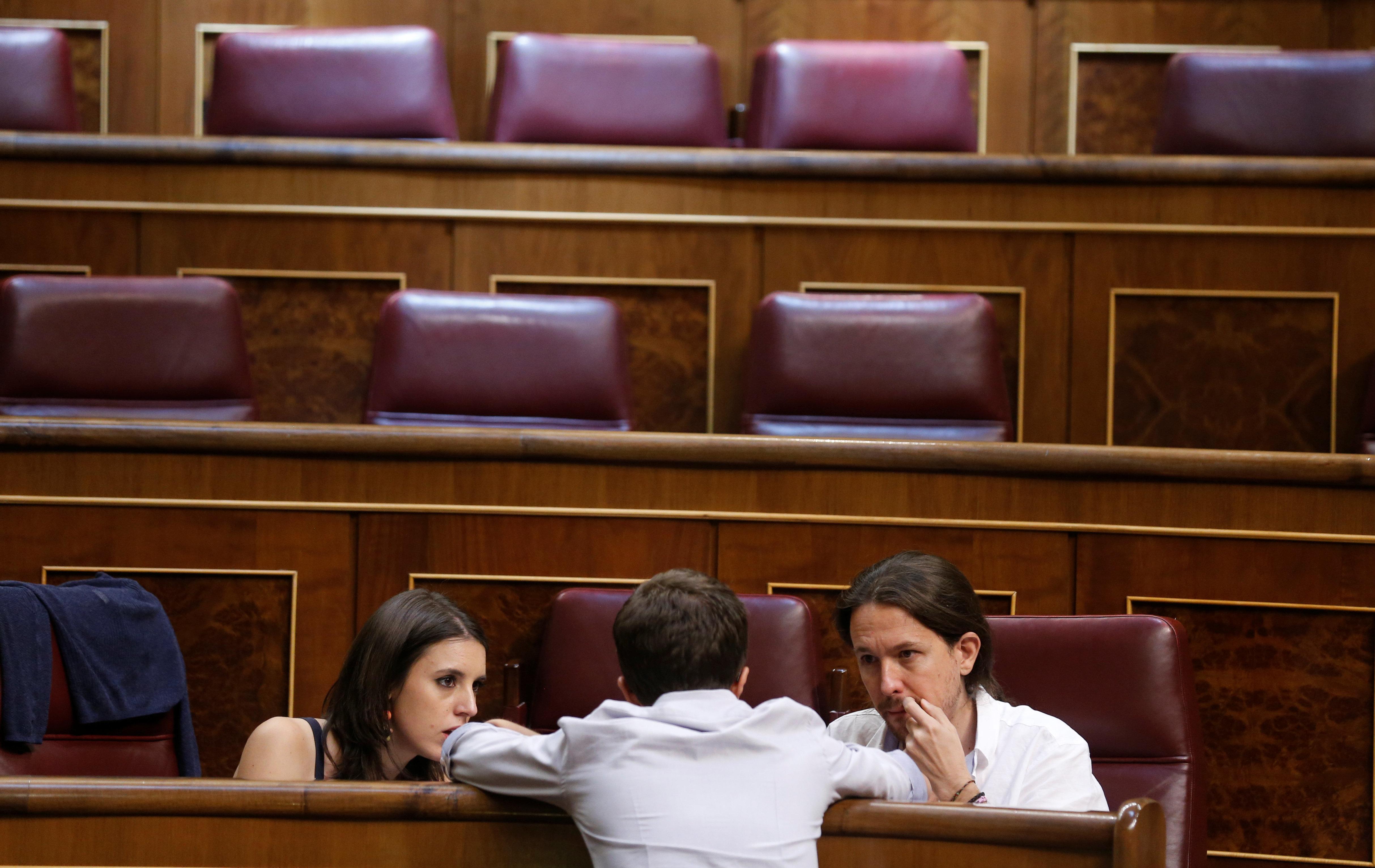 Ιγκλέσιας και Μοντέρο των Podemos «απολογούνται» στο Facebook για την αγορά σαλέ αξίας 540.000