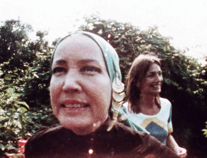 "Edith ""Little Edie"" Bouvier Beale and Lee Radziwill at Grey Gardens in New York in 1972."