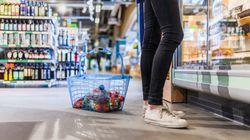 Cómo evitar las 'trampas' del supermercado para que gastes