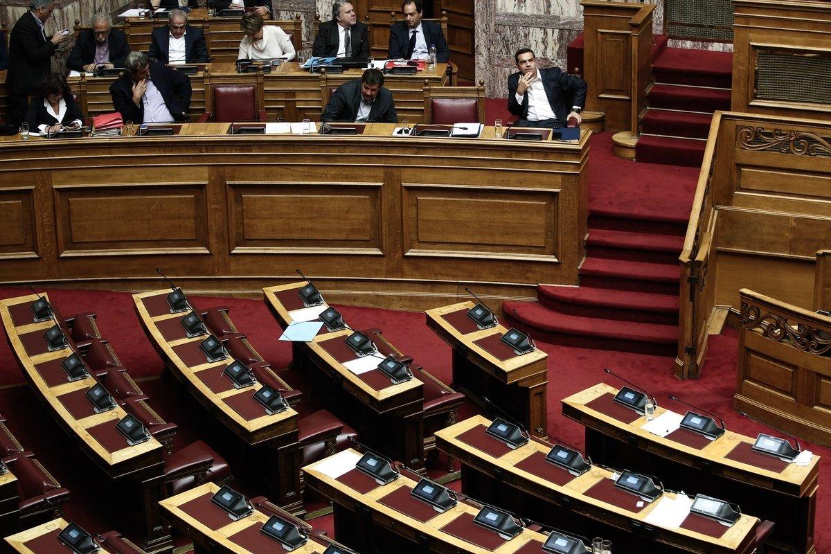 Υπόθεση Novartis: Συγκρουσιακό κλίμα στη Βουλή για την έγκριση του πορίσματος της ειδικής