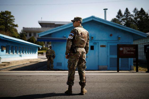 Βορειοκορεάτης αξιωματικός του στρατού αυτομόλησε στη Νότια Κορέα μαζί με