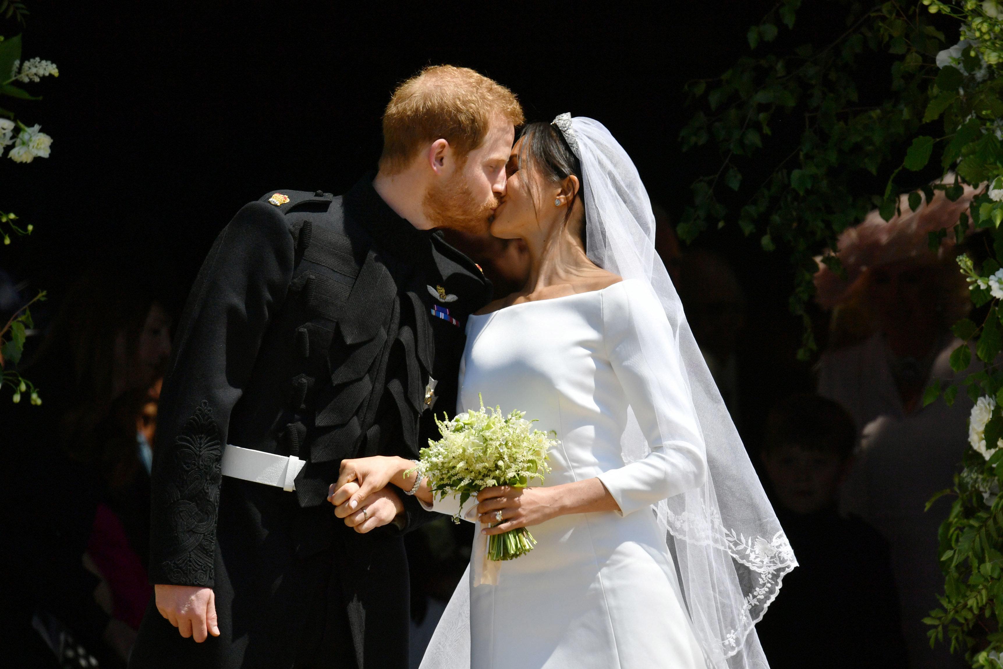 해리 왕자가 웨딩드레스 입은 메건 마클을 보고 한