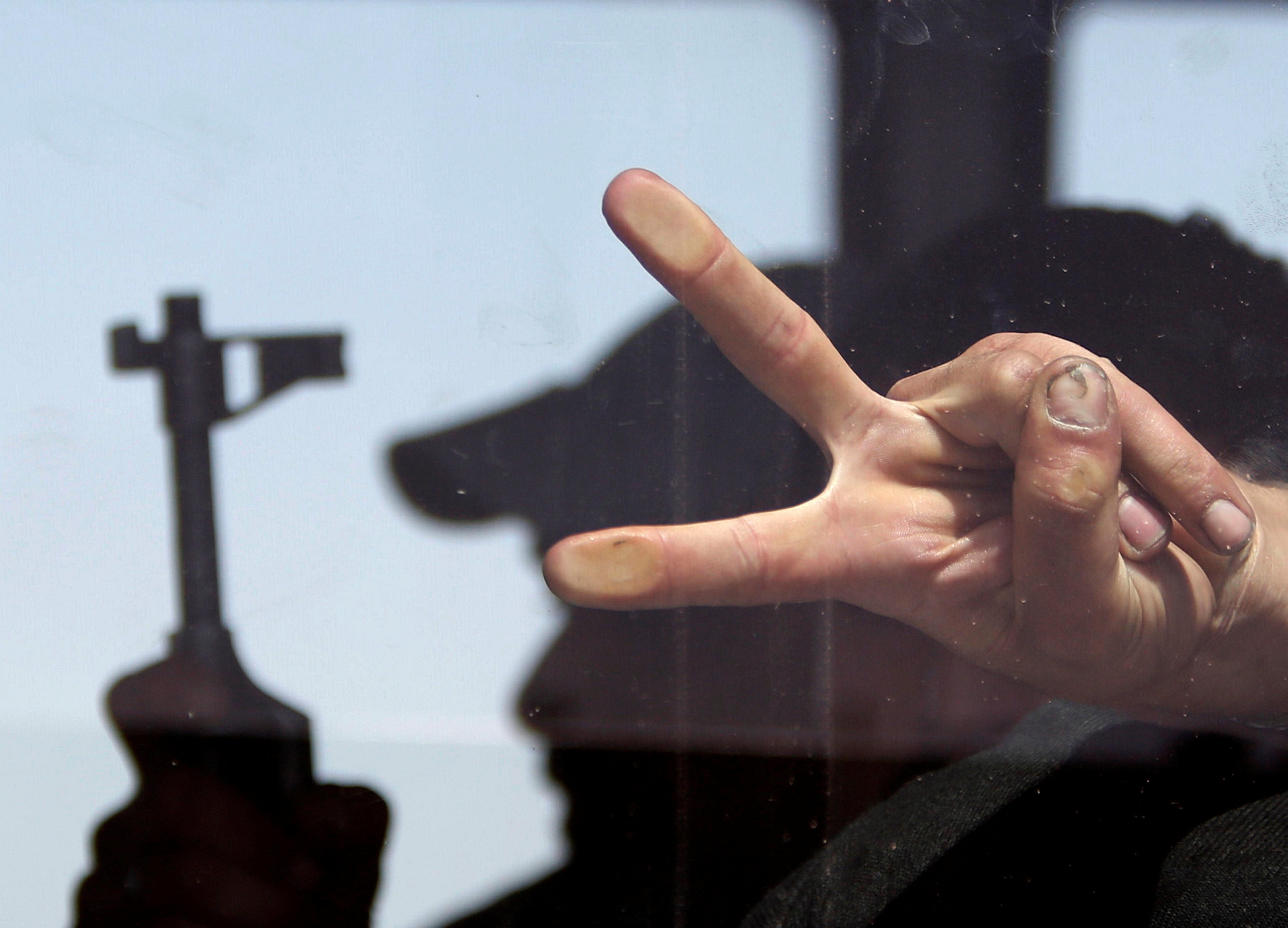 Συρία: Ξεκίνησε η απομάκρυνση των μαχητών του ΙΚ από το