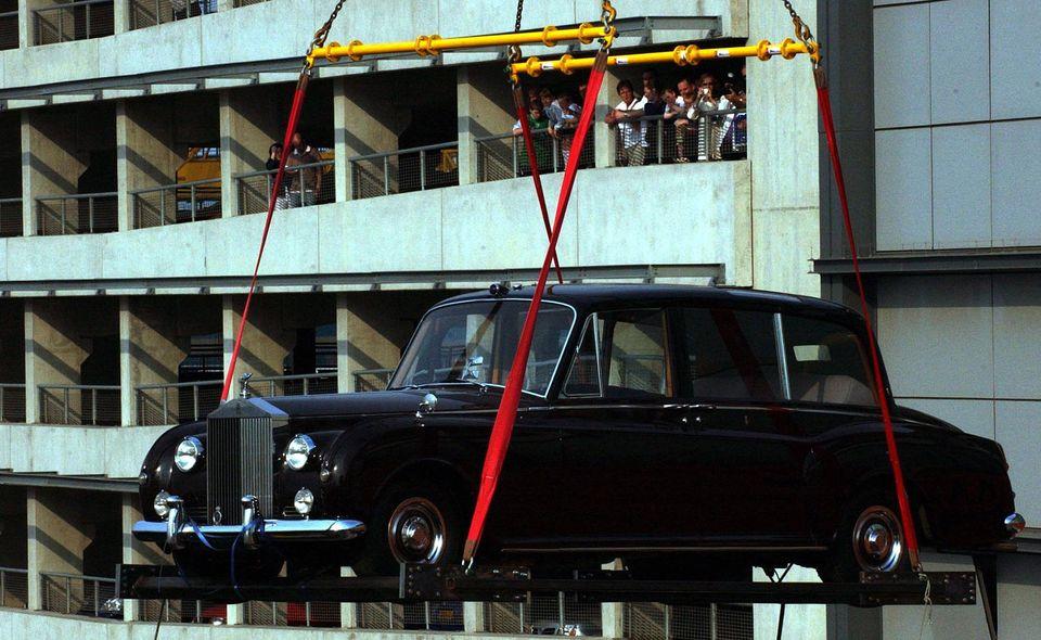 로열웨딩에서 목격된 희귀한 '영국 자동차'들을 모아봤다