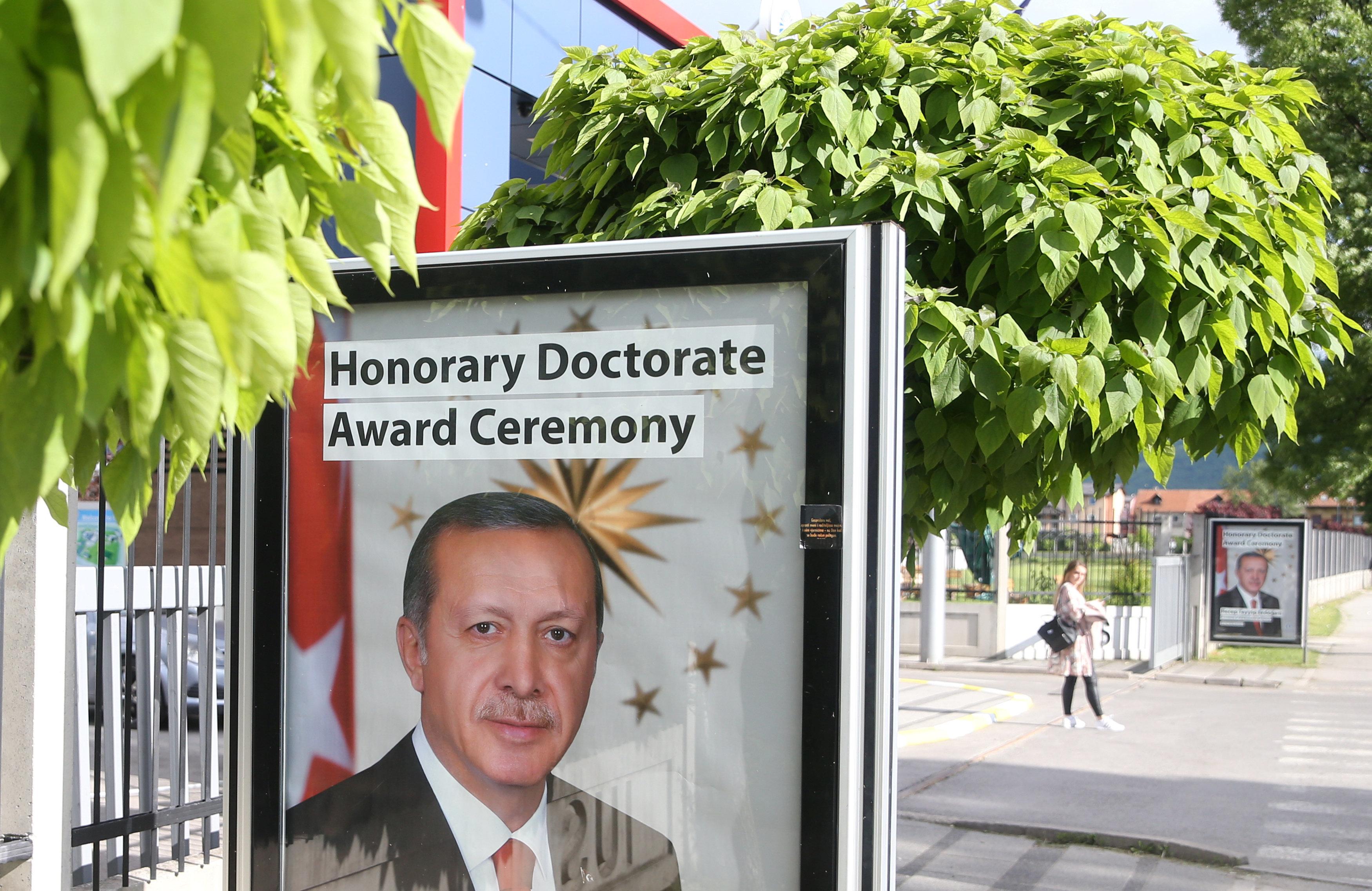 Στο Σαράγεβο ο Ερντογάν για την προεκλογική φιέστα επί ευρωπαϊκού