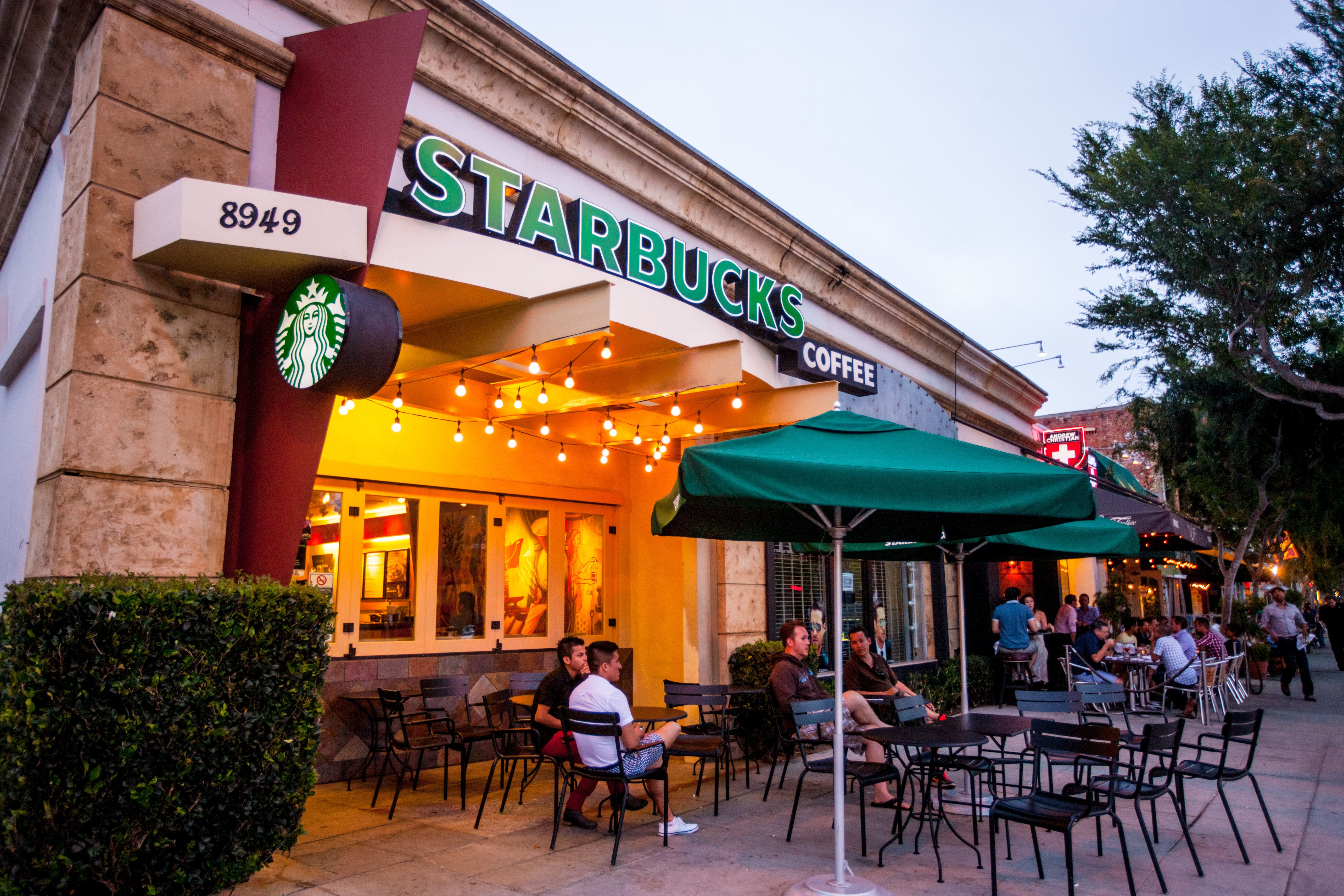 Starbucks Says Anyone Can Now Sit In Its Cafes ― Even Without Buying Anything