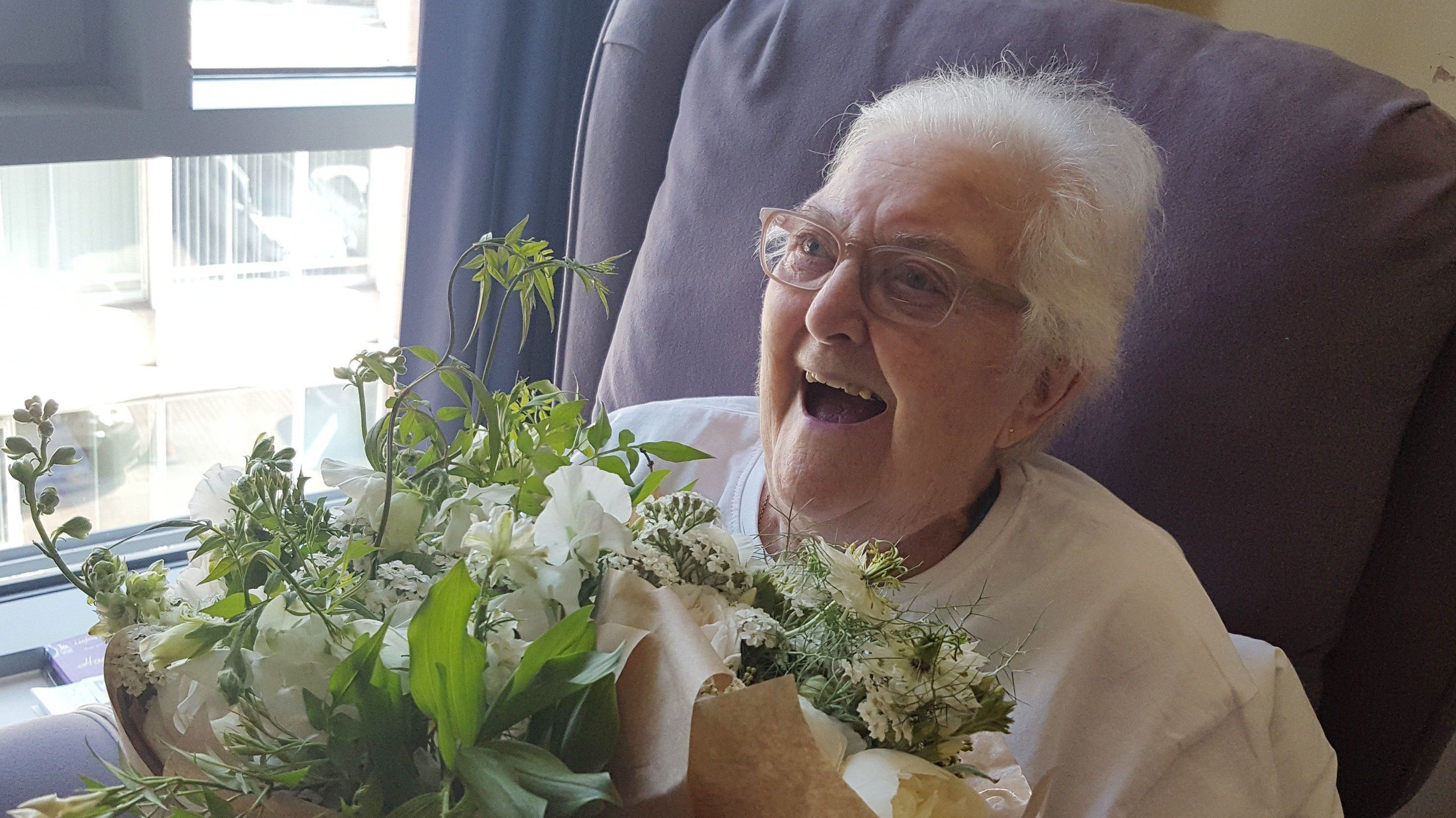 Royal Wedding flowers donated to hospice in London