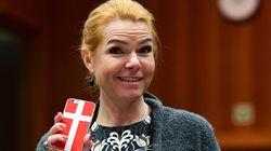 Η υπουργός κοινωνικής ένταξης της Δανίας που αγαπάει τις διακρίσεις καλεί τους μουσουλμάνους να πάρουν άδεια από την εργασία...