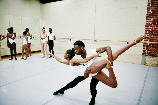 El problema va más allá del ballet: incentivamos la fuerza por encima de todas las formas de