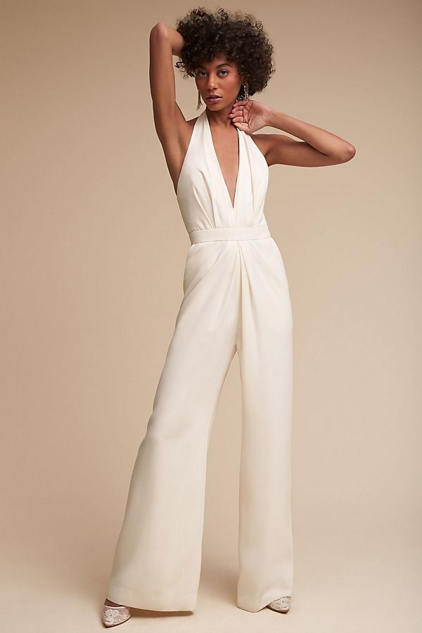 "<strong>Sizes</strong>: 0 to 18<br>Get it <a href=""https://www.anthropologie.com/shop/mara-jumpsuit"" target=""_blank"">here</a>"