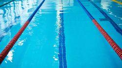 Herne: 74-Jähriger beim Masturbieren im Schwimmbad entdeckt – seine Flucht endet in der Umkleide