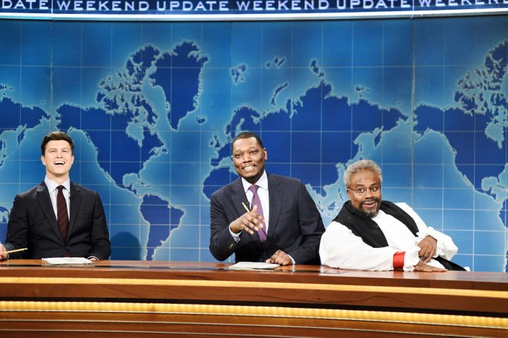 """Saturday Night Live"" cast member Kenan Thompson acts as Curry in a skit on the show."