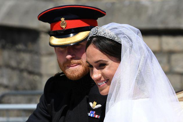 Οι όχι-και-τόσο-αριστοκρατικές αντιδράσεις συγγενών, φίλων και θαυμαστών, μετά τον βασιλικό