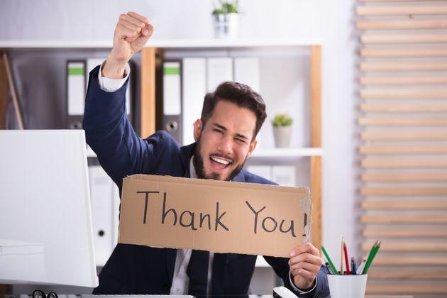 Ξεχνάμε να πούμε «ευχαριστώ»: το λέμε μια φορά στις 20 στις καθημερινές μας