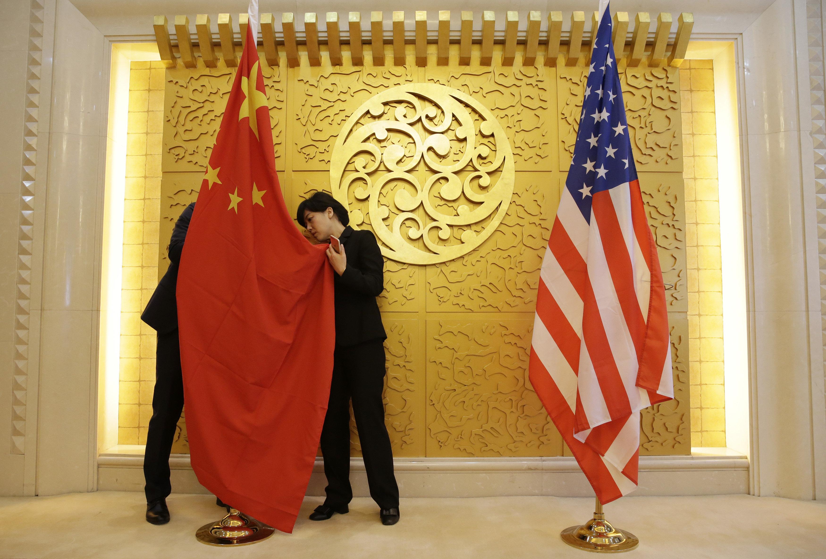 Τι είναι η ηχητική επίθεση και γιατί οι ΗΠΑ φοβούνται ότι υπάλληλοί της στην Κίνα