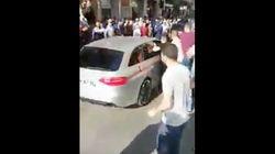 Non, cette vidéo ne montre pas des Marocains attaquant une personne mangeant en public pendant le