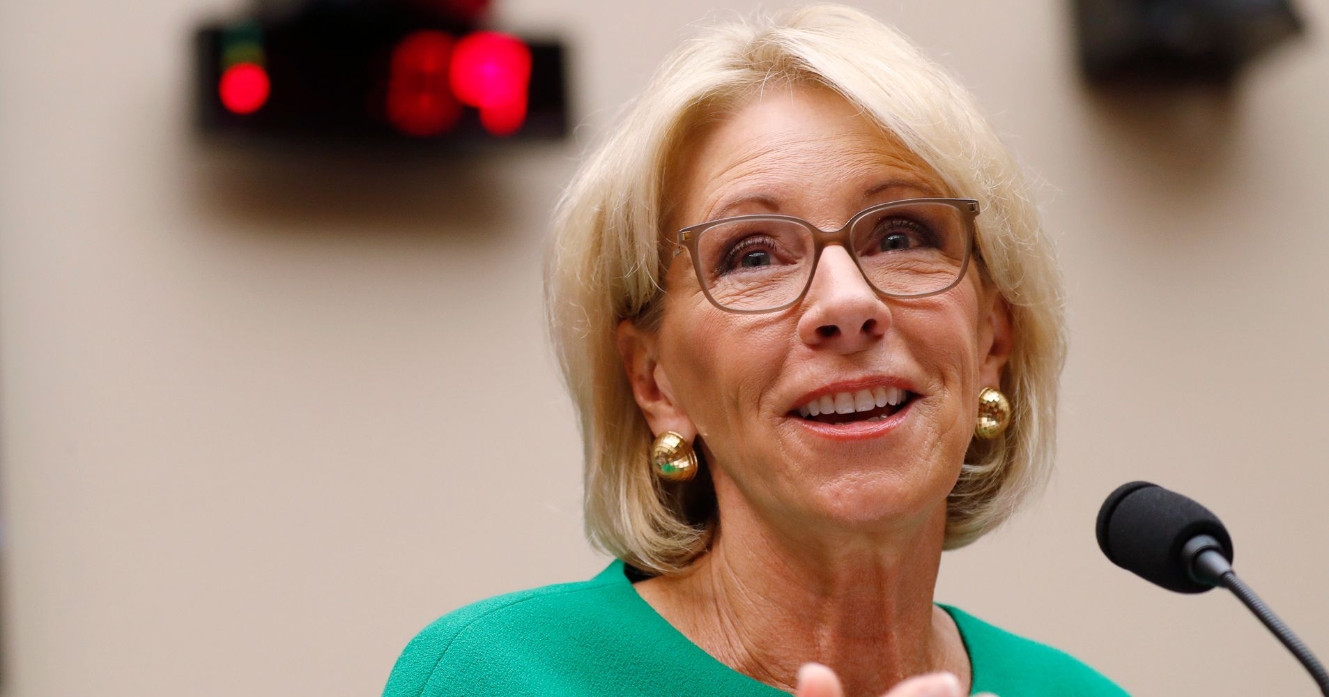 What Betsy Devos Calls Education >> Betsy Devos Stirs Uproar By Saying Schools Can Call Ice On