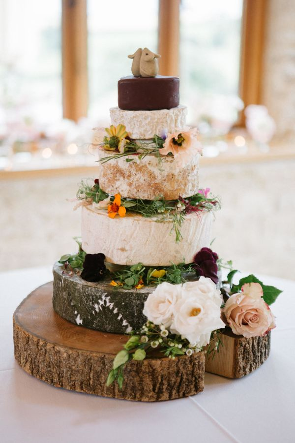 savoury wedding cake 13 wedding cake alternatives for couples who prefer savory 19683