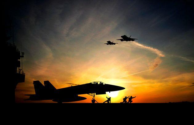 Αναφορές για αεροπορικά πλήγματα του συνασπισμού υπό τις ΗΠΑ σε θέσεις του συριακού