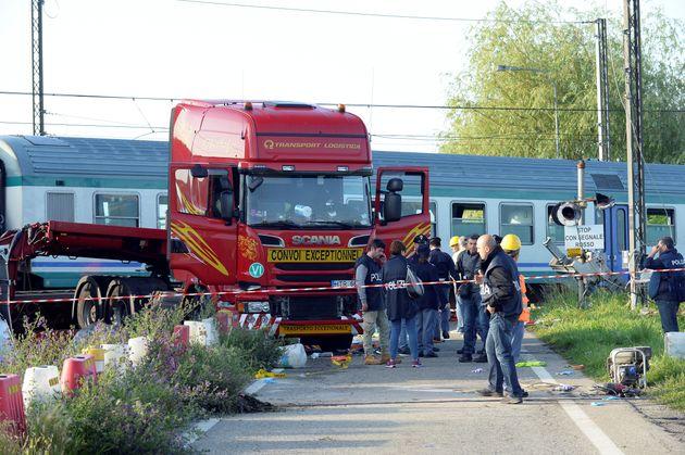 Ιταλία: Δύο νεκροί και πολλοί τραυματίες έπειτα από εκτροχιασμό τρένου που συγκρούστηκε με
