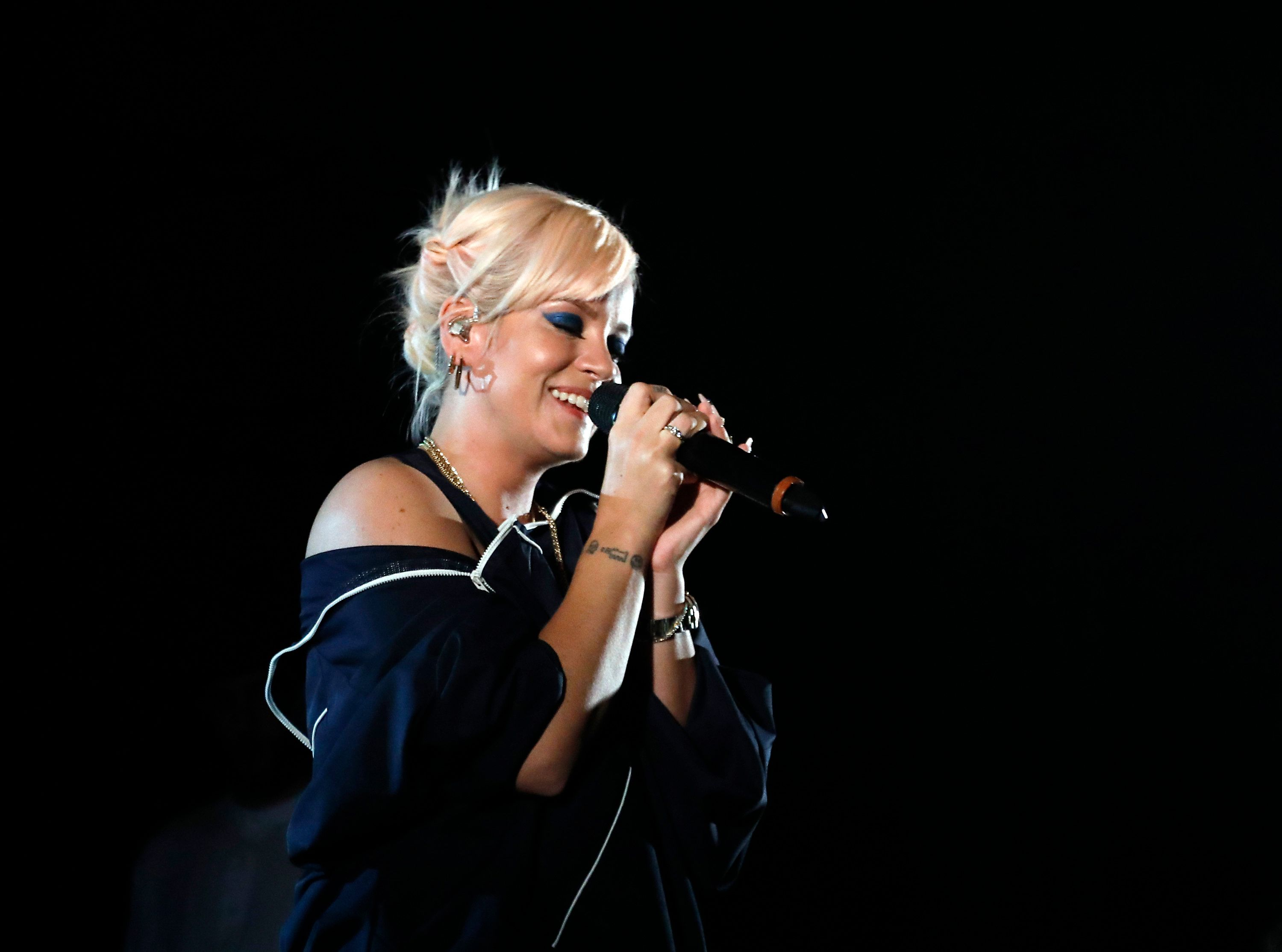 Lily Allen Refuses To Be Shamed After Being Sent 'Upskirting' Photos On Twitter