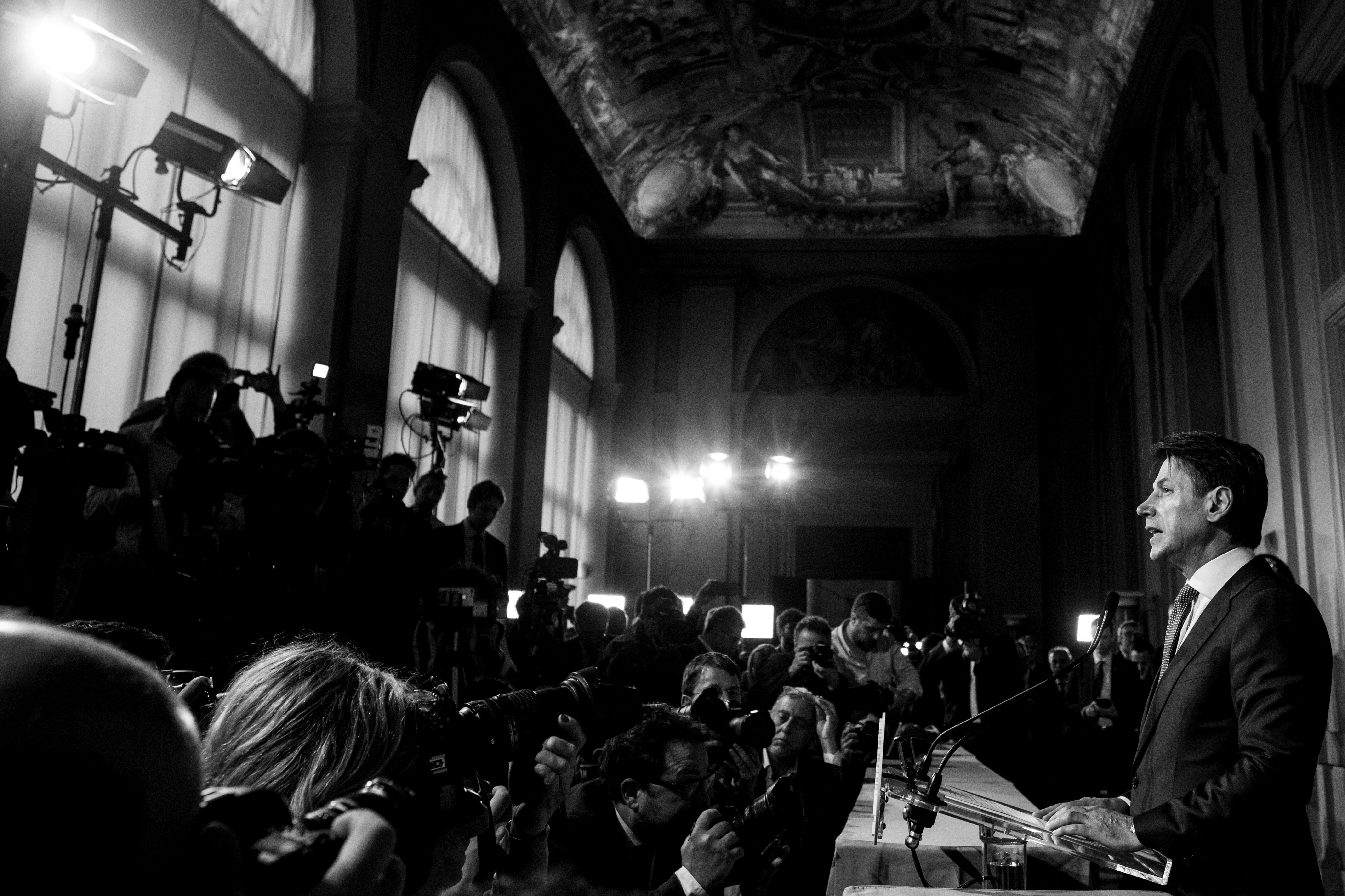 Η Γερμανία εκφράζει ανησυχίες για τον κυβερνητικό συνασπισμό στην