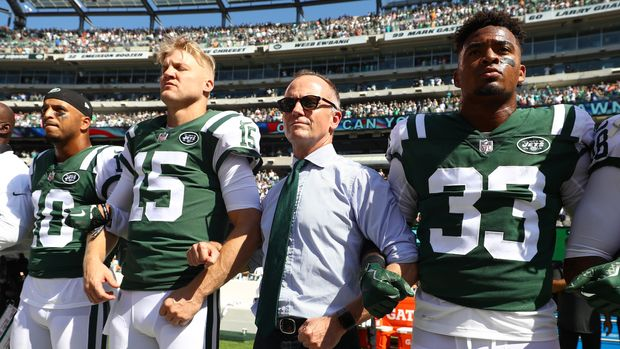 EAST RUTHERFORD, NJ - SEPTEMBER 24:  Jermaine Kearse #10, Josh McCown #15, Christopher Johnson and Jamal Adams #33 of the New York Jets stand in unison with their team during the National Anthem prior to an NFL game against the Miami Dolphins at MetLife Stadium on September 24, 2017 in East Rutherford, New Jersey.  (Photo by Al Bello/Getty Images)