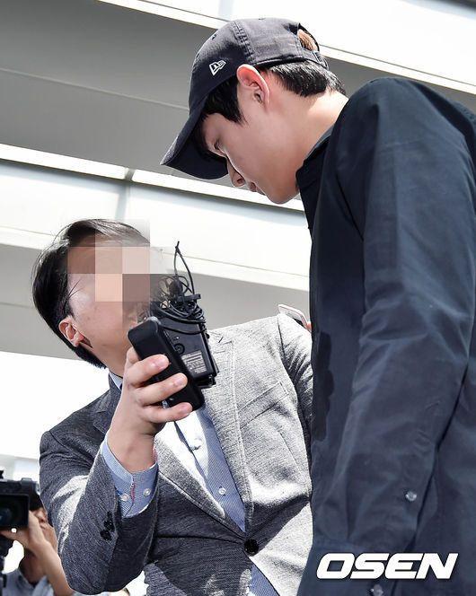 배우 이서원이 4시간 검찰 조사 끝에 입을