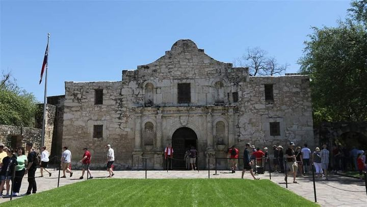 Tourists visit the Alamo in downtown San Antonio, the U.S. city with the largest increase in population from 2016 to 2017, ac