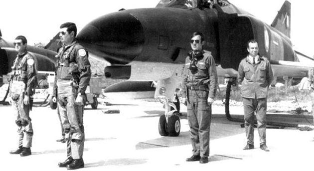 «Ο Παπανδρέου και ο στρατός»: Έκθεση της CIA για τις σχέσεις του Ανδρέα Παπανδρέου με τις ένοπλες