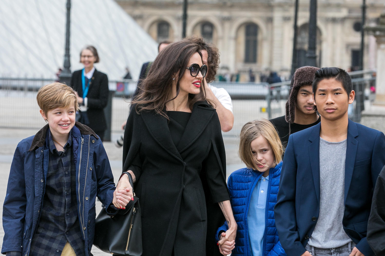 Προβλήματα επιμέλειας προκύπτουν στο διαζύγιο της Angelina Jolie και του Brad