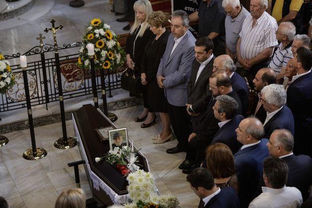 Με πλήθος κόσμου η κηδεία του Χάρρυ