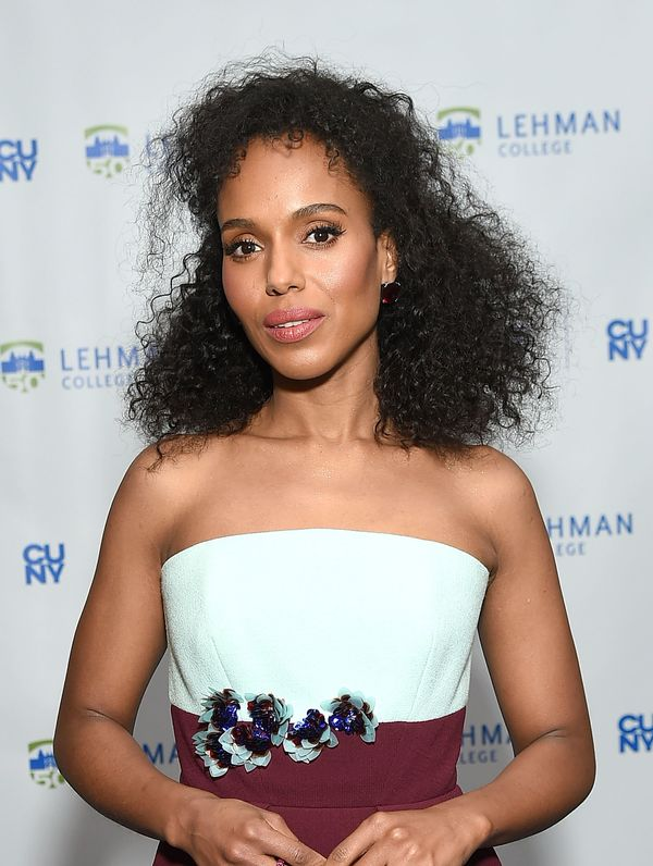 Kerry Washington's natural curls are full of texture and volume.