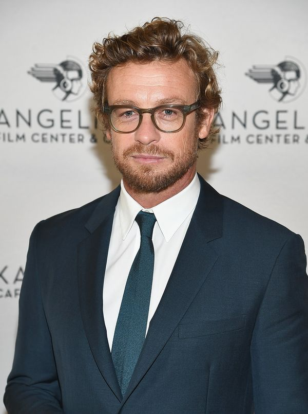 Simon Baker'shairstyle has just the right amount of texture and volume.