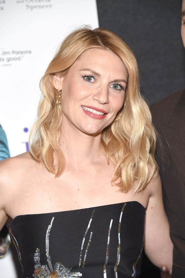 Claire Danes' grown-out wavy lob is chic, easy and perfect for summer.