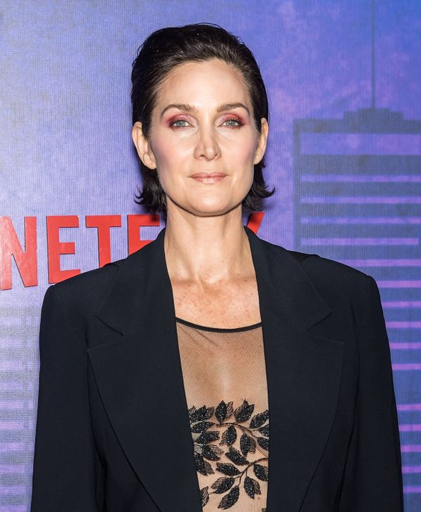 Carrie-Anne Moss is another woman who's made a case for the slicked back, wet-look style -- it's great for showing off your m