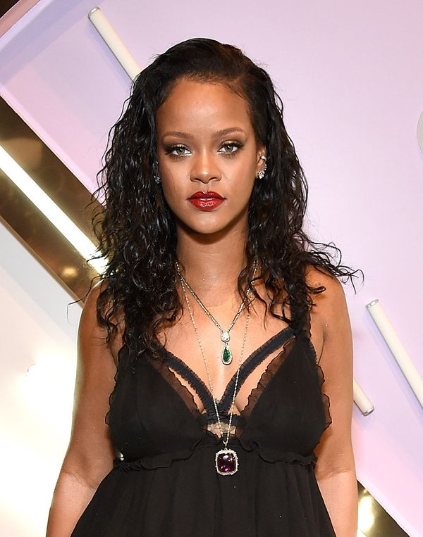 Rihanna's wavy style is pretty much the chicest version of bedhead imaginable (and that's fitting, as she wore the 'do for he