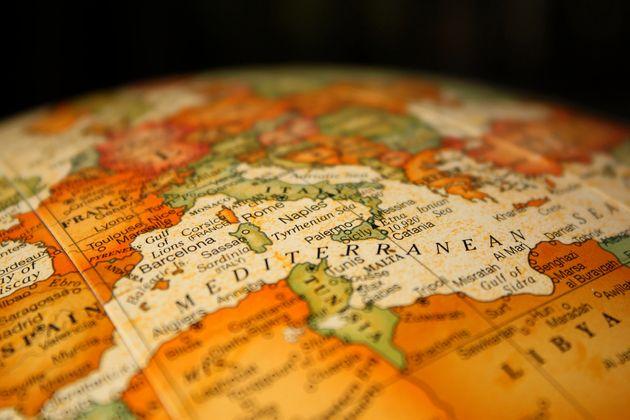 La Méditerranée à l'horizon de l'an 2050: Du centre du Monde au focal du