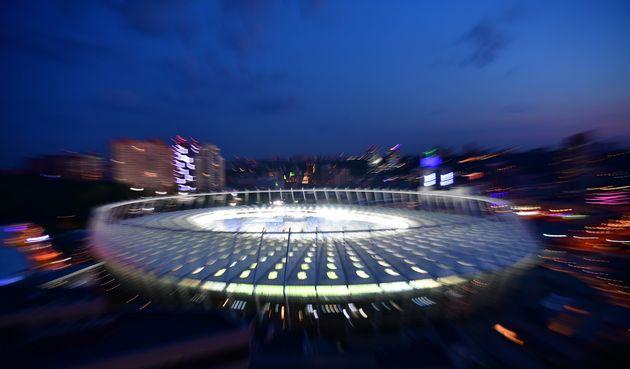 Στο σκοτεινό Κίεβο ανάβουν τα φώτα του Champions League: Ο τελικός σε
