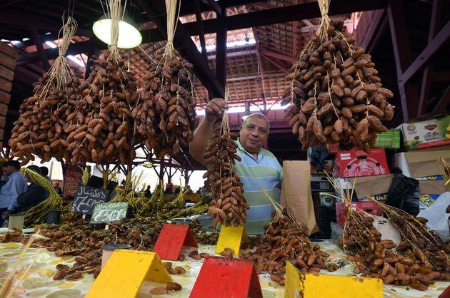 Exportation de dattes vers plus de 80 pays avec des revenus
