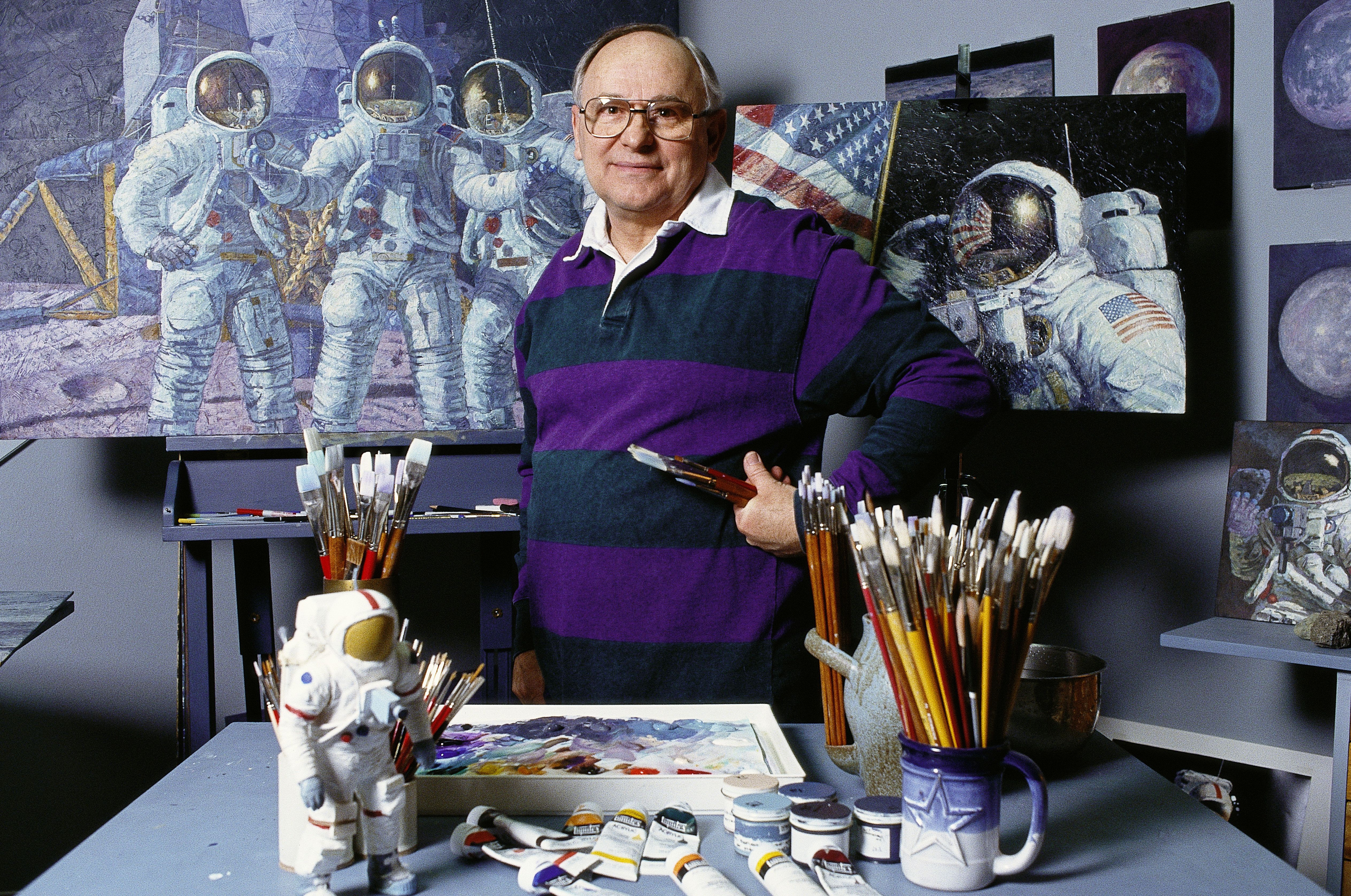 Alan Bean, moon-walking U.S. astronaut turned painter, dies in Houston