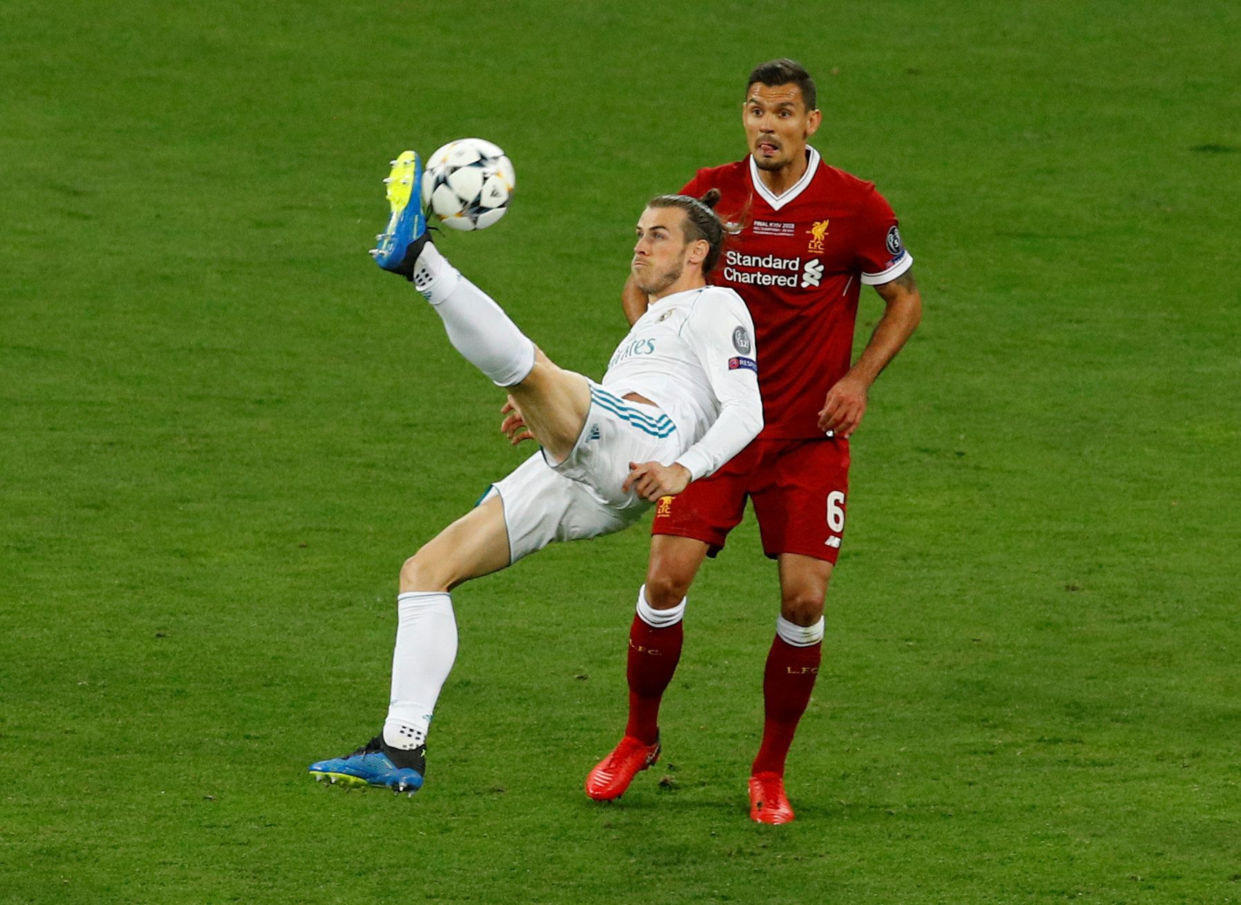 Soccer Football - Champions League Final - Real Madrid v Liverpool - NSC Olympic Stadium, Kiev, Ukraine - May 26, 2018   Real Madrid's Gareth Bale scores their second goal    REUTERS/Phil Noble