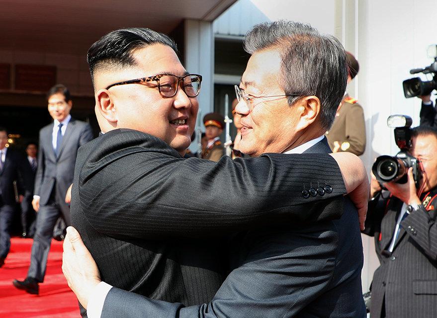 """김정은 위원장은 """"중요한 문제를 허심탄회하게 대화했다"""